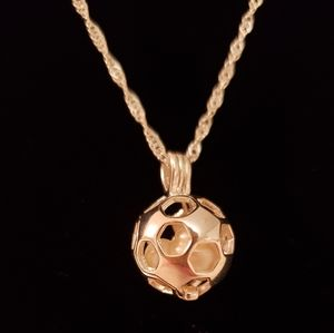 Jewelry - 🆕 Circle Honeycomb Pearl Cage Necklace